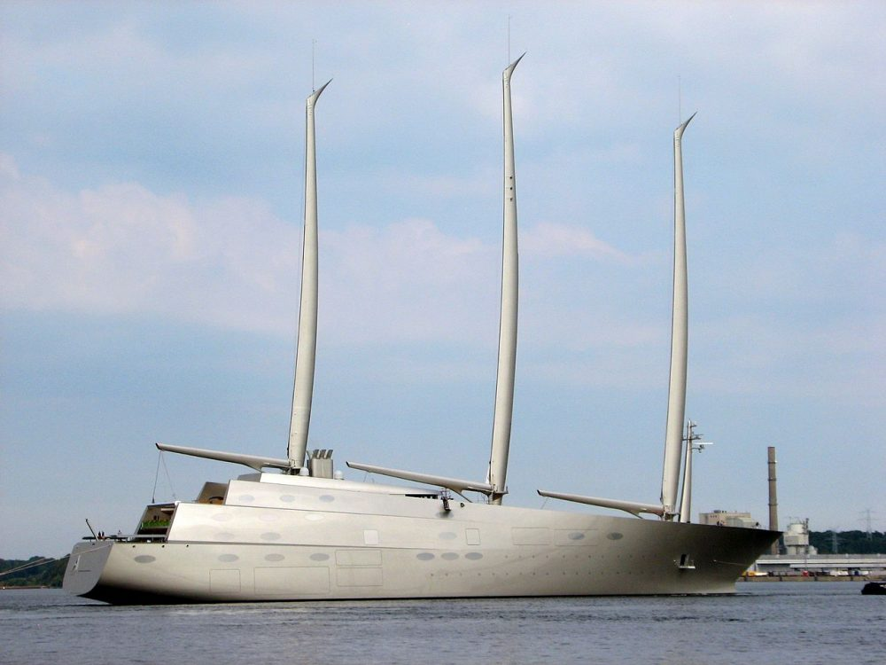 Sailing_Yacht_A,_starboard
